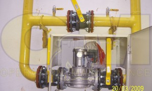 Έλεγχος δοκιμής στεγανότητας με άζωτο, δικτύου χαλυβδοσωλήνα πίεσης 1,0 bar.  Φάση πλήρωσης του δικτύου με άζωτο.